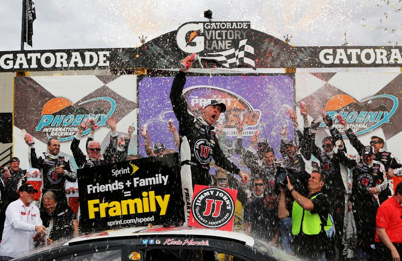 A dominating performance is the only way to sum up Kevin Harvick's win at Phoenix.