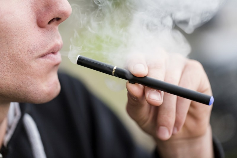 E-cigarettes Less Addictive than Cigarettes, Researchers Say