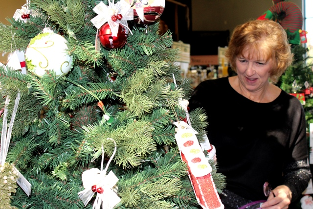 Clearfield Borough Police, CCAAA Team Up for Giving Tree