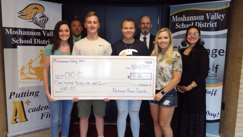 Mo-Valley National Honor Society Donates to Child Advocacy Center